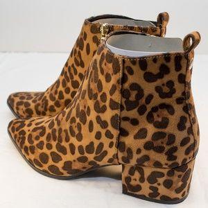 Leopard spot block heel